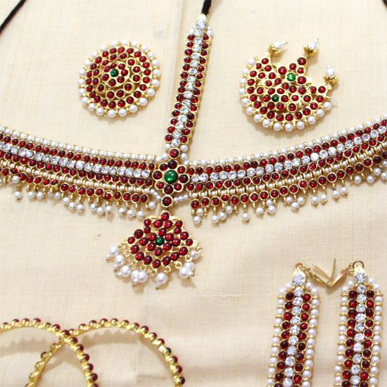 10 pcs Beautiful south Indian pearl and kemp stone temple Indian bridal jewellery set